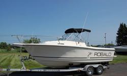 THIS 21FT 4 IN ROBALO IS IN EXCELLENT CONDITION, NO BOTTOM PAINT, AND SHOWS VERY WELL. IT HAS LOTS OF POWER RIGGED WITH A MERCURY 225HP OFFSHORE OUTBOARD MOTOR W/ POWER TILT/ TRIM AND HYDRAULIC STEERING. THIS COMPLETE PACKAGE INCLUDES A KARAVAN TANDEM