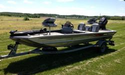 1997 Tracker ProTeam 17 BassTracker.This boat is in Great condition. The package includes...-Fully galvanized rust free trailer with new tires. (+/- 1000 miles on them)-Bearings were just checked out in May 2014.-Spare tire with galvanized rim, chain and