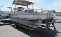 This Crestliner 2085LSi comes equipped with a Johnson 90HP motor. Featuring a bimini top, mooring cover, dinette table, portable toilet and upholstery which is in excellent condition, this is a great boat for the budget minded buyer. Thanks for looking