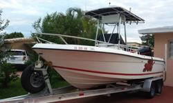 You're looking at my 1998 Robalo 2120. It comes equipped with a powerful 2006 Mercury Optimax 225HP. Low hours. Nice interior recently done. 2 new batteries. Foruno Fish finder and GPS navigator. Brand new Boss audio system with brand new speakers. Many
