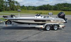 Condition: UsedYear: 1998Use: Fresh WaterMake: SkeeterEngine Type: Single OutboardModel: ZX 202CEngine Make: Mercury EngineType: BassEngine Model: 200HP 2.5L XRILength (feet): 20Primary Fuel Type: GasHull Material: Fiberglass Trailer: IncludedADDITIONAL