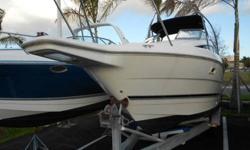 1999 2655 Bayliner Ciera, 5.7L Mercruiser Nice boat, for more information, call Phil 305-491-6788