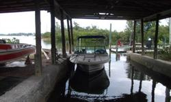1979 Wellcraft boat, in great shape-no soft spots-transom solid, Bimini top ... a must see for the $$$ no motor, no trailer... will trade Call Greg 727-967-0608