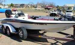 ...///1997 MERCURY EFI 200 HP FUEL INJECTED ENGINENEW FACTORY POWERHEAD IN 2006MARINE MECHANIC OWNED MECHANICALLY ABSOLUTELY IN GREAT CONDITIONHIGH PERFORMANCE COWL AND MID-SECTIONKEEL GUARD36 VOLT TROLLING MOTORNEW BATTERIESDUAL FISHFINDERSLOWRANCE LMS