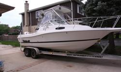 2000 Wellcraft Costal 24 with 225 Johnson Ocean Pro and a 15 HP Yamaha trolling motor connect with bracket.Only 180 hours on the boat.Boat includes swimming platform.Sony Radio with new Sony speakers & 150 Watt amp fireNew toilet, new tank and all new