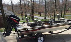 2002 Bass Tracker Pro Crappie 175 that is in great condition other than a few scratches on the decals from tree limbs, the seats and carpet are also in great condition and are tear, rip and stain free. The Pro Crappie model makes for a very desirable