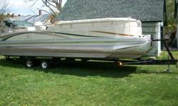 2002 Bennington 2575 RL I/O Tri Hull Pontoon Boat.5.0 L Electronic Fuel Injected Mercrusier.Sage/Sage Carpet Package.Mooring Cover.Teleflex Sonar.Console Sink.Depth Finder.Speedometer/Hour meter.Pull Out Bed.Refreshment Table & Cooler.Sony CD Player.12'