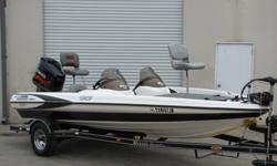 ,,,,,,,,2002, TR185 DC is a 19.0 foot outboard boat. The weight of the boat is 1431 lbs. which does not include passengers, aftermarket boating accessories, or fuel. The Triton Tr-185 DC is roomy, racy and outfitted with the kind of features one would