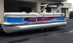 Fuel Volt Speedo Glovebox, lockable Keel, full length, extruded (3/8 in. thick) Ladder, 5-step fold down (stern) Seat, helm, Lux (low back recliner) Speedometer (included with Performance Packages and Cruiser Helm Upgrade Package) Steering, tilt (included