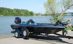 You are viewing a SUPER MINT 2004 Ranger 185 VS single console Bass Boat. This boat is in excellent condition, and shows to have been very well maintained,motors Yamaha 150 VMAX under 50 hrs,61 MPH ! original owner.UNDER 50 HRS ! ! !61 MPH ! !