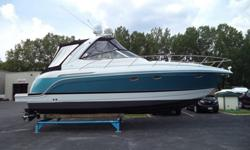 This 34 PC is in immaculate condition! The styling has been updated and so have the cabin and cockpit accommodations including an extended swim platform for swimmers and divers. Built on a deep-V hull the Formula sleeps six in a midcabin floorplan.
