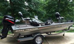 2005 Bass Tracker Pro Team 175 Special Edition boat. This boat is the all welded aluminum hull design so there are no leaky rivets to worry about and is very easy to maintain. The seats are in excellent condition with no rips tears or stains and the