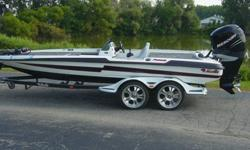 2006 BASS CAT PUMA -Wide Body- SILHOUETTE PACKAGE. 275 HP MERCURY VERADO SUPERCHARGED Motor with DTS (Full Factory Warranty Until August 2011). 330 hours on motor. Beautiful condition .3 Blade Mercury Tempest Plus Stainless Prop 27 pitch.Smartcraft Guages