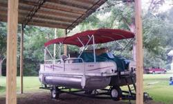 Cypress CayDolphinDuracraftErcoa Pontoons Pontoon boatFab-Tech Pontoon boat (Canada)Fiesta Boats saltwater pontoons from Hudson FL, some have electric powerFisherFloteBoteForester Future CraftFun Chaser Pontoon & Deck Boats by Carolina SkiffG3 Boats also