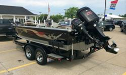 The 2025 Pro-V provides everything a fisherman needs in an aluminum fishing boat and more. This aluminum boat is designed to deliver the most productive fishing experience for any specie of fish including walleye, musky, salmon, crappie, or bass. The