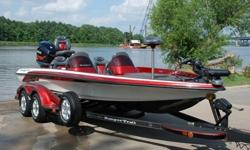You are viewing a SUPER MINT 2006 Ranger 520 DVX dual console Bass Boat. This boat is in excellent condition, and shows to have been very well maintained. This boat has been garage kept. 60 HRS ! ! !71 MPH ! ! !EXCEPTIONAL CONDITION ! ! !--Hull:overall