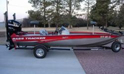 2008 Tracker Pro Team 190TX Dual Console w/ 135hp Mercury Optimax.For a faster response please reply with your PHONE NUMBER. Thanks.Year:2008 Use:Fresh WaterMake:Tracker Engine Type:Single OutboardModel:Pro Team 190TXEngine Make:Mercury EngineType:Bass