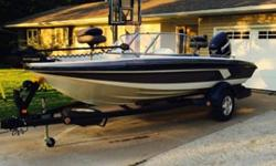2009 Evinrude 150 E-TEC4 blade stainless propRanger Trail trailer with LED lightingMinnKota 24 volt 80# Terrova with I-Pilot and remoteRanger Travel cover for boat and motorLowrance HDS-5 (at bow)Lowrance X52 (at console)New starting battery Motor had 36