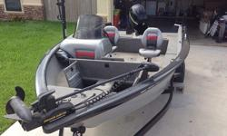 PERFECT CONDITIONS, BARELY USE 100 HOURSELECTRIC TILT AND TRIMTRACKER TARGA SC V17 2010.Motor: Mercury 115 Four Stroke.Trailer IncludedLength: 17.5Beam: 7.5 piesFuel: 30-40 GallonsOne OwnerWarranty 1 year and 3 months more trolling Motor, front & rear
