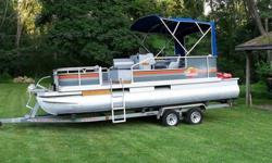 Also included is a small refrigerator freezer (only 110v). The boat will carry 15 people and it is very fuel efficient. There is a ton of s...32 Feet of Fun. Slide into the water with this nice pontoon SUN TRACKER PARTY CRUISER 32 stands alone for its