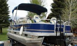 10+Life? Warranty: 10-year bow-to-stern warranty + limited lifetime structural & deck warranty + transferable to a second owner4 mooring cleatsColor-keyed 7'' (2.13 m) polyester Bimini top w/LED courtesy lights, protective boot, easy-adjusting straps &