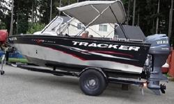 """All-welded 25"""" (63.50 cm) transom for big-water use (and optional kicker motor installation)ALL-NEW VERSATRACK accessory-mounting channel in gunnelMinn Kota 55-lb thrust PowerDrive trolling motorLowrance X50 DS fishfinder w/surface temp and swivelBow"""