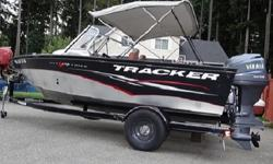 Tracker boats are all aluminum construction. There are a lot of advantages to this, the most obvious being light weight. This 16?11? (5.16 m) boat weighs in at only 1,385 lbs. (628 kg). Add a trailer and a 90-hp Mercury off the transom and she has an