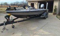 2014 Ranger Z521C w/Evinrude 250 H.O w a custom Turbo prop and 1 spare prop , 2 ? 8ft Talons w/ tilt brackets , HDS GEN 2 ? 12 in @ console , HDS GEN 2 ? 9in @ bow with down scan puck , sonic hub all units inter linked , 2 ? 8 ft. Talons w/ tilt brackets