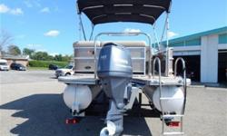 This 2014 420CR South Bay pontoon boat is one of the best luxury pontoon boat lines you will find on the market! This boat comes with a fuel efficient 90hp EFI Yamaha 4-stroke engine. Some of the standard features on the 420CR are a 10ft bimini top to