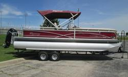 This is a 2014 Sun Tracker Regency 254 powered by a 2014 Mercury 200hp Verado four stroke and sitting on a 2014 Trailstar tritoon trailer. this boat has 274 hrs on it and just received a new oil and filter, fuel filter, water pump impeller and gear lube.