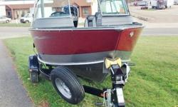 Exciting Crossover XS. Deep, and versatile! Includes Mercury 150 HP 4S, Snap On Cover, Sport Top, Ski Tow Bar, Spare Tire, Stereo, Kicker Fuel Line!The Lund 1850 Impact XS aluminum fishing boats are sure to make an impact on your walleye, muskie (musky),