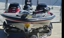 With speeds approaching 70 mph with the stock motor and a massive 20?1? length, the NITRO Z-8 is a ruthless and tireless fishing machine?and that?s why it shows up in major tournaments across the nation.The 16° variable deadrise Mod V hull terminates in