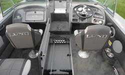 Some of the standard equipment inccludes 3 Pro-ride seats & 6 seat bases, aft integrated rear jump seats, hydraulic tilt steering, aerated livewell system (front-9 gallon, rear-24 gallon), Infinity AM/FM MP3 Stereo w/Blue Tooth (2 Speakers), 12V power