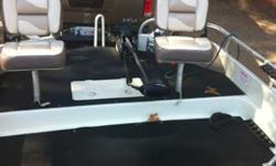 2007 Playcraft Deckboat 150 mercury salt water EFI, wireless trolling motor, fish finder, amfm cd player, live well, tow bar, ladder, canopy,cover, smartcraft gauges. under 150 hrs runs great, four fishing seats, with bear trailer. 918-eight six