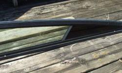I AM SELLING THE COMPLETE WINDSHIELD , CENTER SECTION ( WHICH IS REMOVABLE ) AND BOTH SIDE GLASS WITH WING WINDOWS. THIS WINDSHIELD WILL PROBABLY FIT MANY OTHER BOATS AS WELL , ONES LIKE BAJA , OR MAYBE FORMULA , ETC . EVERYTHING IS IN GOOD CONDITION AND
