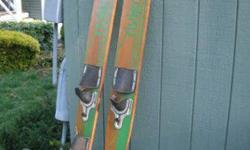 water skiis, 25 $*** I am posting this for my friend, he is the seller, please call him...no emails, thank you ***callcharlie508 649 2388508 378 3319Listing originally posted at http