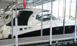 2004 Sea Ray 42 SUNDANCER Yet another Sea Ray sales success story, the 420 Sundancer(called the 44 Sundancer in 2006?08) set the gold standardfor express yacht styling and luxury during her production years.Indeed, her muscular lines compared well with