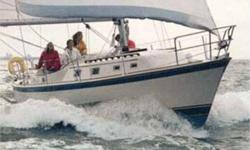 """1981 O'Day Cruiser, 30' CRUISER (SAIL)-1981 O''Day Cruiser, 30' The O'Day 30 is one 30 foot sailboat that's big enough for the whole family with 10'9"""" beam, it's substantially wider than most boats in its class. It can entertain crowds in style, thanks to"""