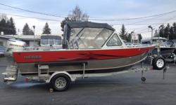 Hewes Craft 2002 20 Sea Runner. Powered with a BF 130 HP Honda. Custom Ez-loader trailer. Options are Garmin fish finder, Garmin GPS, VHF Rod holders, Rocket launchers, wash down, Dual batteries, Anchor nest, cooler/ seat box, high back seats, stainless