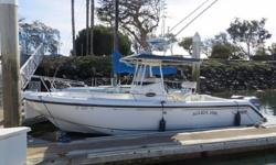 2001 Boston Whaler 26 Outrage for sale in San Diego. View More Details and Photos at: www.BallastPointYachts.comPowered by twin Yamaha 150hp HPDI 2stroke outboards. Electronics include Lowrance HDS 9 for GPS & Fishfinder w/Structure Scan, Standard Horizon