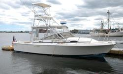 29 Blackfin Combi 1988 with twin Crusader engines with only 1140 hours. Boat now in storage in New Bedford MA. For more information phone Peter V @ 401.338.1717