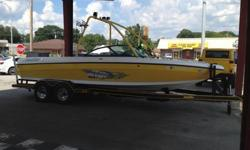 2001 MALIBU WAKESETTER LSV,ONLY 400 HOURS,TOWER WITH LIGHTS,350 V-8,YELLOW AND WHITE,23FT,PLENTY OF ROOM,GREAT BOAT,$28900 OR POSSIBLE TRADES PLEASE CALL 256-324-0085 OR 256-324-1576