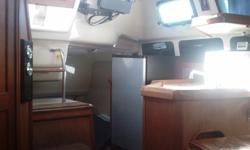 1994 30? Hunter 295 - This is a clean, well equipped boat that easily sleeps six adults, needs nothing. Engine has been serviced annually and bottom cleaned monthly. LOA