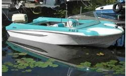 Beautiful Glastron Seaflite in aqua & white. Lounge style seats have been recovered like '62. Powered by a 1964 Johnson 75. Has tach (not working) and speedo (needs pitot).Needs floor repair. Buy now and do it yourself or I'll do it and adjust the price.