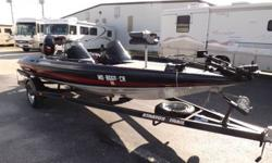 THIS IS A 1992 STRATOS 285 PRO XL BASS BOAT. THIS BOAT IS VERY NICE AND CLEAN WITH ONLY TWO OWNERS SINCE IT WAS NEW. THE HULL OF THE BOAT IS VERY NICE WITH NO DAMAGE AT ALL. THE INTERIOR IS ALSO VERY NICE AND CLEAN, ALL THE SEATS ARE STILL IN GOOD SHAPE.