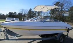 THIS BEAUTIFUL 2007 MARIAH SX18 BOW RIDER. THIS BOATIS IN GOOD CONDITION INSIDE AND OUT. THE INTERIOR LOOKS VERY NICE. THE YELLOW PART OF THE VINYL IS FADED IN FEW SPOTS, BUT IS NOT BRITTLE OR TORN. THE WHITE PART OF THE VINYL IS VERY NICE. THE EXTERIOR