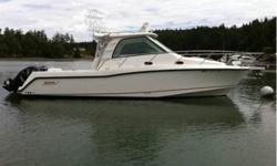 Visit www.BallastPointYachts.com for full specs and more photos - 34' BOSTON WHALER 345 CONQUEST 2008 - The extensive electronics package includes the screen display with digital radar, GPS chart plotter, fish finder, autopilot and marine VHF radio. Other