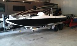 2006 Lanier Fast Cat with Yamaha 300 HPDI VMAXThe boat is loaded