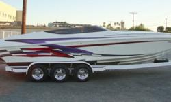 ULTRA CLEAN !!! PERFORMACE HULL SMOKE'N The 28-foot heat closed bow continues to be one of the best performance boats. Enjoy the experience of World Class V-bottom handling and performance. The 28 Heat has one of the largest cabins in the industry. We