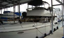 The 350 Aft Cabin Motoryacht is one of Carvers most popular aft cabins. It offers the luxury of two private staterooms and two head compartments with showers. Powered by a pair of Volvo Penta 570's FWC and lots of electronics, she?s a very comfortable and